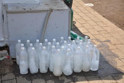 凍らせたペットボトル