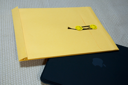 iPadと高春堂 マチ付保存袋カーデックス角3 135